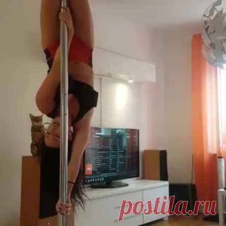 «#poledance
