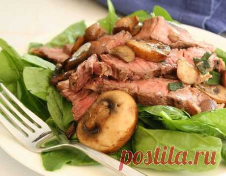 Теплый салат из шпината с мясом и шампиньонами Теплый салат из шпината с мясом и шампиньонами - пошаговый кулинарный рецепт приготовления с фото, шаг за шагом.