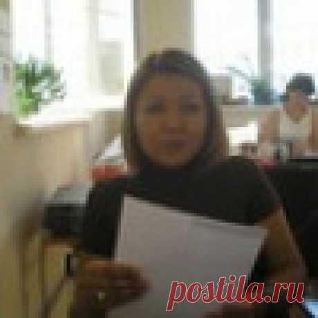 Лола Аубакирова