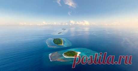 Архипелаг Мальдивы — это более тысячи островов, разбросанных в Индийском океане. Видимость в прозрачной воде — до 30 м! Совершить виртуальное путешествие можно уже сейчас