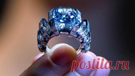 Украшения с голубыми бриллиантами!