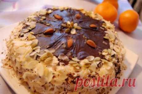 Прянично-имбирный торт с лесными орехами