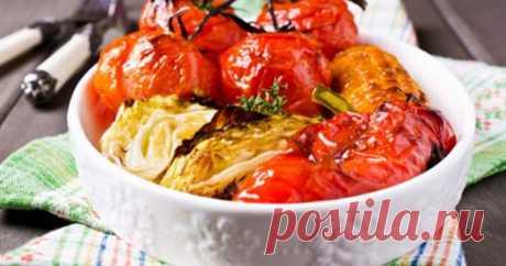Запеченные овощи в меду и соевом соусе      Ароматные овощи, запеченные в медовом маринаде – прекрасный вариант для вкусного и полезного ужина. ИНГРЕДИЕНТЫ   ½ маленькой молодой капусты 2 небольших кукурузы 2 болгарских перца 4-6 томатов п…