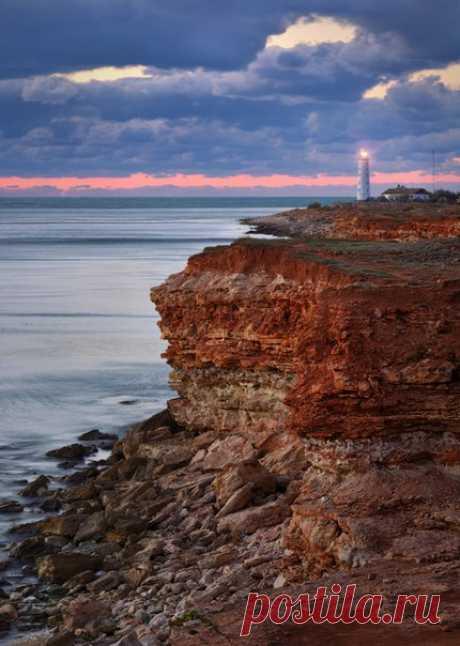 Beacon on Chersonese, the Crimea. The author of a photo is Anatoly Gordiyenko: