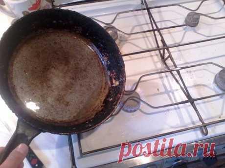 Как спасти сковородки от нагара и жира / Как сэкономить