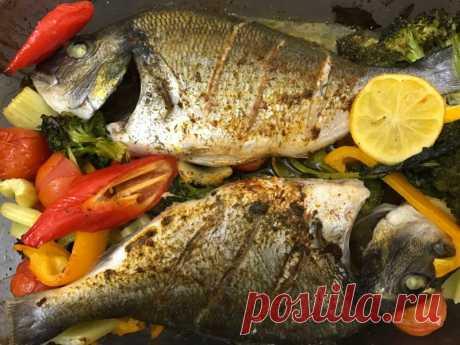 Дорадо, запечённая с овощами — Sloosh – кулинарные рецепты