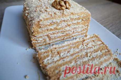 Торт без выпечки Всем большой привет. Готовим торт без выпечки из трех ингредиентов за 15 минут. Тортик получается вкусным, пропитанным, мягким, нежным и ароматным, такой рецепт всегда выручит, когда очень мало времени...