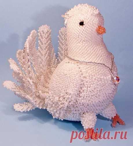 Шикарный голубь мира из бисера. Оцените ❤