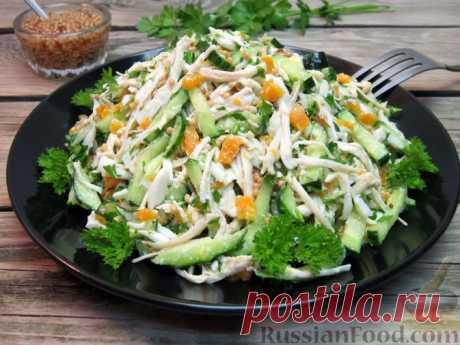 Рецепт: Салат с курицей, морковью, огурцами и яично-горчичной заправкой на RussianFood.com