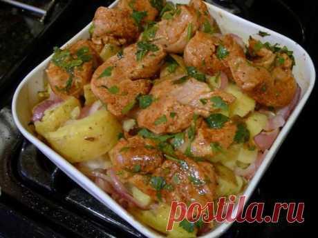 Праздничное жаркое из цыпленка по мексикански Праздничное жаркое из цыпленка по мексикански. Предлагаю вам приготовить жаркое из цыпленка по рецепту кухни Чиапас. Рецепт довольно простой