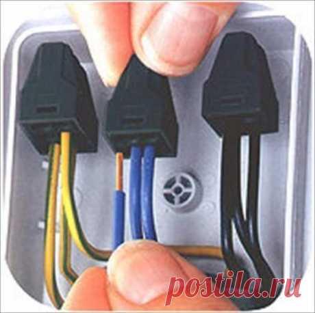 Соединение проводов в распределительной коробке.   Все о ремонте