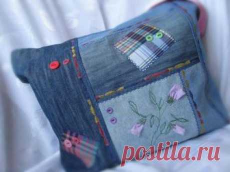 Что можно сделать из старых джинсов: 20 идей на фото Что можно сделать из старых джинсов: предметы декора, варианты использования ткани на фото. И даже идеи обивки мебели.