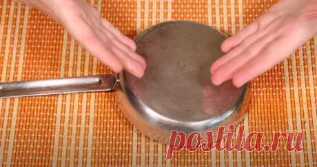 Одна таблетка - и нагара как не бывало: хитрый способ отмыть сковороду