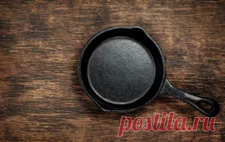 Берем старую чугунную сковородку и делаем как новую - Steak Lovers - медиаплатформа МирТесен Одним из главных преимуществ чугуна является тот факт, что посуда из него может служить вечно, ну или почти вечно. Это зависит только от того, как вы будете ухаживать и использовать чугунную сковороду, кастрюлю или жаровню. Однако, все может случиться иначе, и к вам в руки попадет чугунная