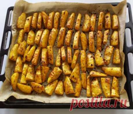 РАЗ - И ГОТОВО)) Приготовить вкусное блюдо меньше чем за полчаса - вот где настоящее мастерство!  Именно столько понадобится времени на приготовление пряной печеной картошки в духовке (15 -20 мин.)