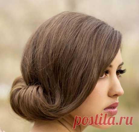Los peinados de tarde a los cabellos medios | los Peinados y el Peinado