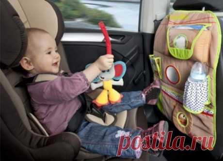 Детский органайзер на спинку заднего сидения в автомобиль
