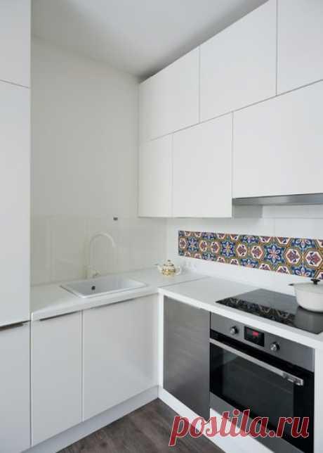 Фартук для белой кухни — 26 фото из реальных интерьеров от профессиональных дизайнеров