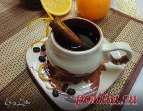 Кофе фламбе. Ингредиенты: вода, виски, апельсиновый ликер