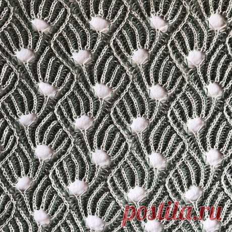 Brioche Lace being blocked. #briochelace #briochestitch #briocheknitting #twolayers #stitchpattern #knittersofig #knittedlace #knittingdesign #knitting_inspiration #patentstrikk #knittingbriochelace