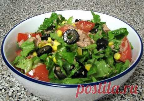Зелёный салат с тунцом