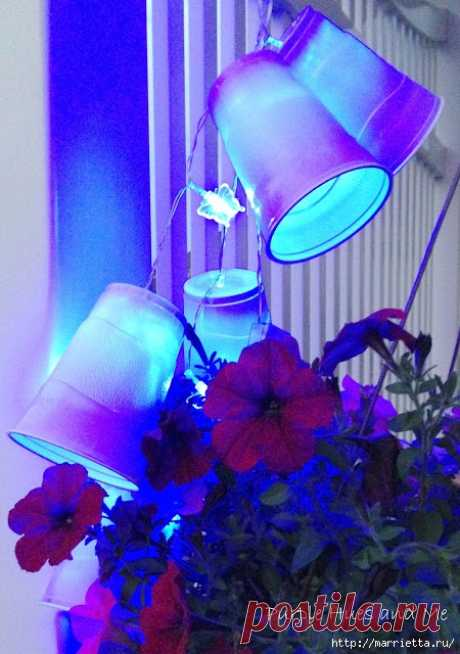 Светодиодная гирлянда из пластиковых стаканчиков