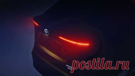 Toyota пообещала Европе новый субкомпактный паркетник Тизер хорош тем, что собрал в одном кадре гибридность и полный привод (в виде шильдиков), тонкие диодные фонари и намёк на купеобразность