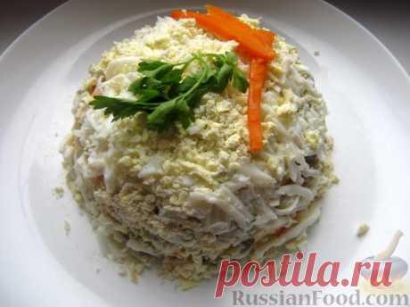 Рецепт: Слоеный салат с куриной печенью и грибами на RussianFood.com