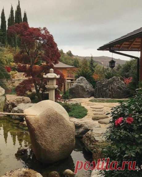 Японский сад в парке имени Айвазовского, Крым