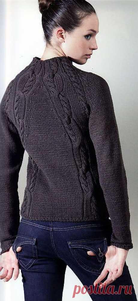 Пуловер-реглан.