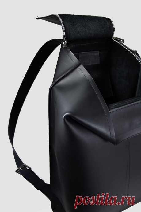 Breakline Bags by Agnes Kovacs and Eniko Deri – MOCO Vote