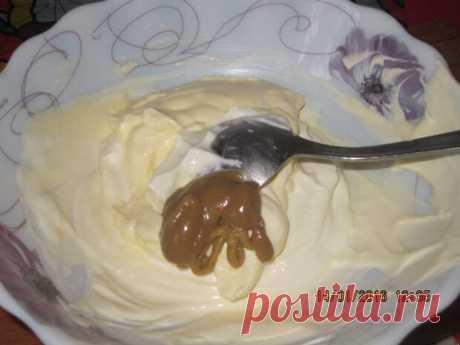 """Необыкновенно вкусный и нежный... луковый салат """"по - польски""""Яблоки сладкие -2шт,лук репчатый -1шт (средняя) ,огурцы соленые или маринованные -2шт, 2 яйца отварных. Для заправки салата :Майонез -3стл, сметана -1стл,горчица готовая -1чл,лимонный сок -1чл,соль,перец."""