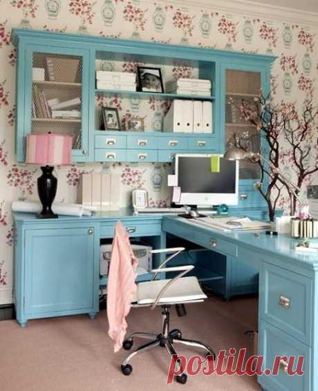 «Женский» домашний офис