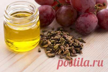 Полезны не только ягоды винограда, но и его косточки. Из них вырабатывают один из лечебных продуктов - виноградное масло.