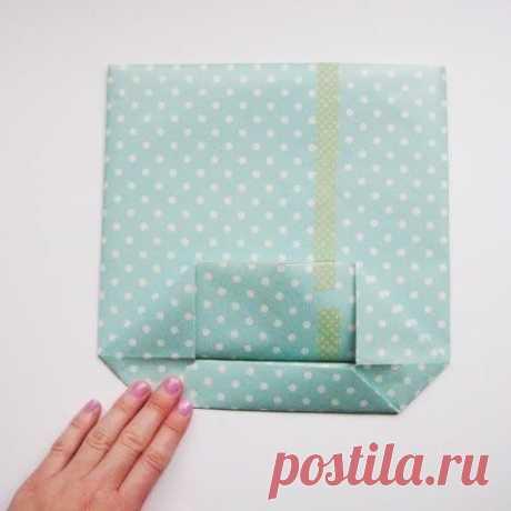 Складываем подарочный пакет за пять минут