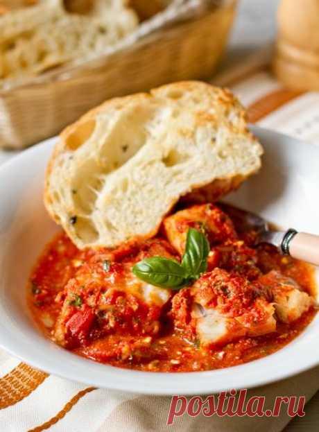 Треска, запеченная под томатным соусом с фетой | Вторые блюда | Вкусный блог - рецепты под настроение.