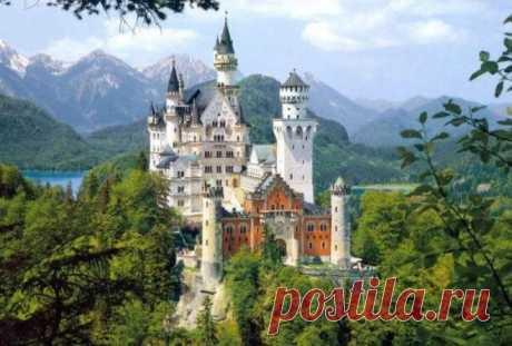 Топ-10 историй старинных замков, которые вас зачаруют