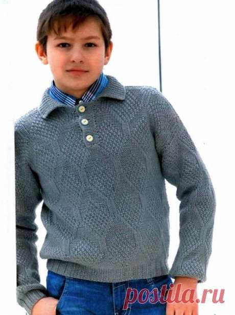 Пуловер-поло для мальчика Пуловер-поло для мальчикаРазмер: на 10-12 летнего мальчикаПотребуется:Пряжа «Новозеландская» (100% шерсть, 100 г/250 м)- 600 г серого цвета, спицы №3, пуговицы 3 шт.Основной узор вязать по схеме. На схеме обозначены только нечетные ряды, четные изнаночные ряды вяжите по рисунку. После...