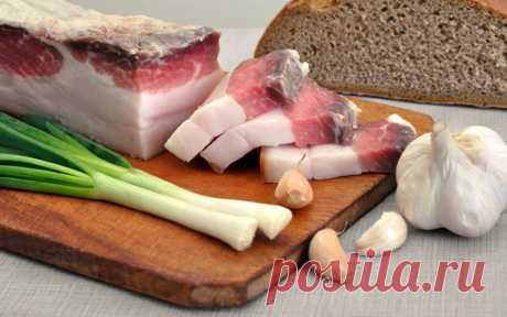 Сало - наше все! 15 обычно-необычных рецептов  Тонкий ломтик соленого сала, шкварки, смалец, кусочки жирочка в колбаске и так далее и тому подобное - это все оно, чудесное и полезное (в умеренных количествах) сало, сальце, сальце, лярд, шпик, сек…