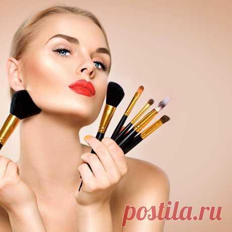 Мастхэв для косметички - кисти для макияжа: какую выбрать для каждой области Мы расскажем, как выбрать кисть для макияжа, покажем, как выглядят популярные варианты и какая для чего нужна. Давайте разбираться!