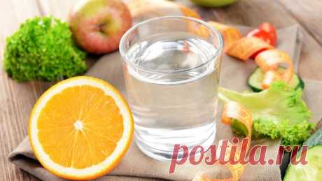 Водная диета набирает популярность в последнее время. Потеря веса при водной диете достигается за счёт повышенного потребления воды и специального режима питания. Есть несколько различных вариантов водной диеты, мы предлагаем пятидневную водную диету.