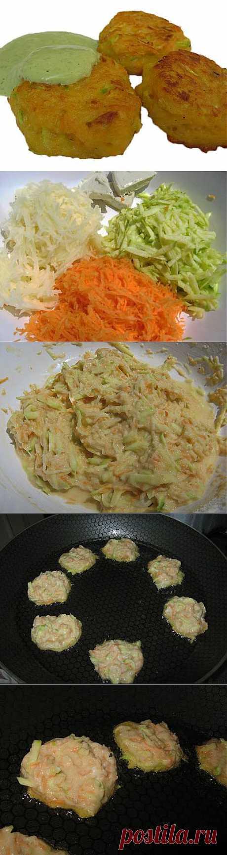Овощные оладьи с соусом .