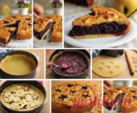 Идеальный ягодный пирог. Рецепт принадлежит Елене Чекаловой. Увидев его по телевизору утром, я не могла дождаться вечера, чтобы испечь этот восхитительный пирог! Он безумно вкусен! Равнодушных, любящих фруктовые пироги, гарантирую, не останется!