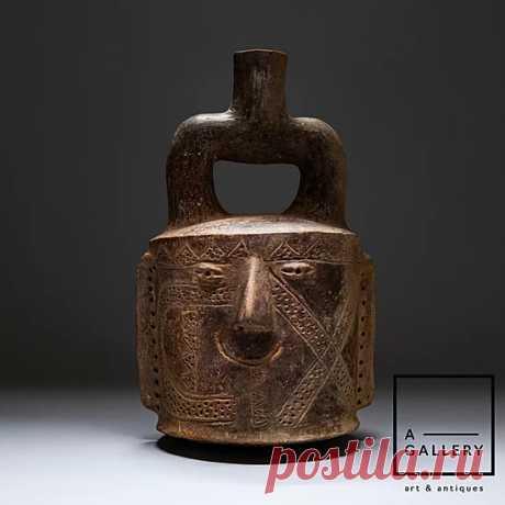 Стремевидный сосуд в форме головы, Перу,  культура Чавин, 700-200 гг. до н.э.