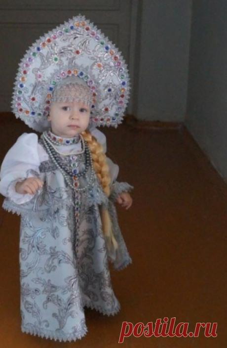 Мама сшила костюм на утренник! Как Вам такая барышня?)