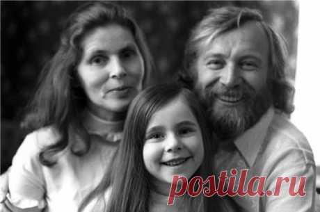 Иннокентий Смоктуновский с женой и дочерью Машей