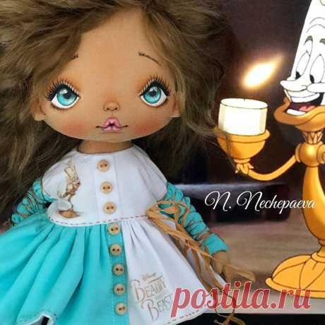 Вчерашние посиделки при свечах 😄🙈🕯🔥#люмьер#красавицаичудовище 💖💖💖!!! В работе три куклы - все с диснеевскими героями. На две куклы проведу аукционы (минут по 20 на аукцион), третью куклу - найдём дом через генератор. Как куклы будут полностью готовы - я всё покажу и расскажу!!! #текстильнаякукла