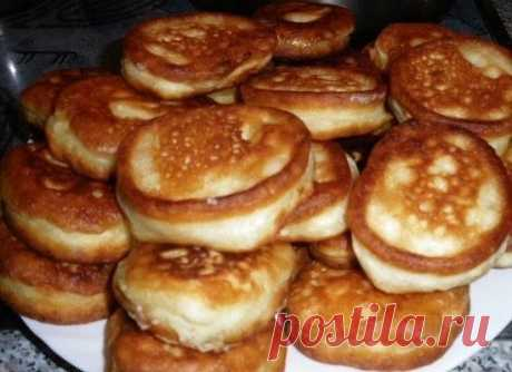 Пышные оладушки на кипяченом кефире - Рецепты