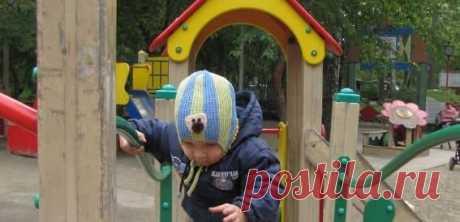 Шапочка мысиком спицами — описание для разного возраста ребенка Подробное описание вязания детской шапочки с мысиком от новорожденного малыша до более старшего возраста. Постороение выкройки и вязание спицами.