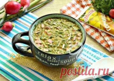 Окрошка на квасе с горчицей Окрошка – традиционное блюдо украинской и русской кухни. В былые времена холодный суп готовили из нескольких видов нежирного мяса, брюквы, картошки, репы и различных трав. Заливали все это продуктовое…